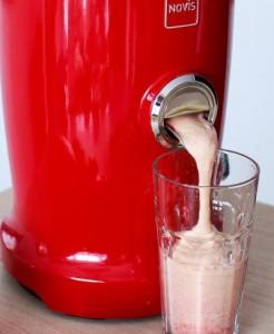 Bardzo efektywne wykonanie koktajli w gęstej konsystencji. Wystarczy dodać trochę wody
